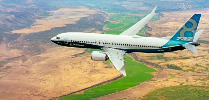 Nový Boeing 737 Max sa predvádza v letových ukážkach