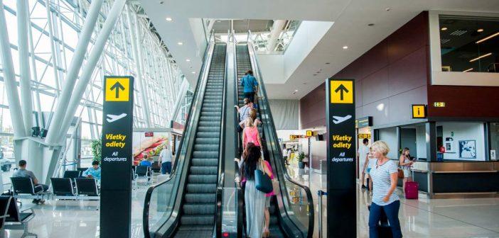 Rast letiska Bratislava citeľne spomaľuje